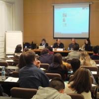Intervenció dels representants de Som Atents, Laura Mesa i  David Vidal