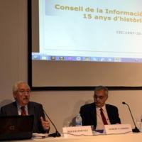 Roger Jiménez i Albert Garrido, del Consell de la Informació de Catalunya, presentant l'acte