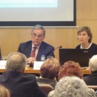 Dolors Gordi, Secretaria de Família del Dpt. de Benestar Social i Família; Lluís Foix, periodista; i Llúcia Oliva, presidenta del CIC