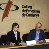 Obertura de l'acte per part de Llúcia Oliva (presidenta del Consell de la Informació de Catalunya) i Ramon Besa (vice-degà del Col·legi de Periodistes de Catalunya).